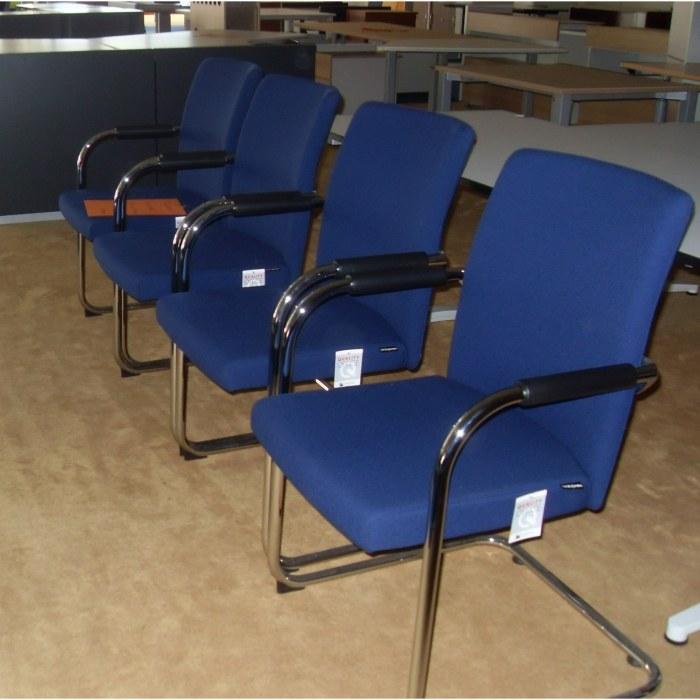Dauphin blauwe bezoekersstoelen