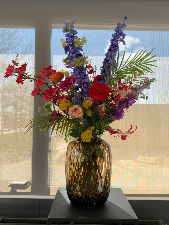 Vaas cheetah inclusief zijden bloemstuk   1