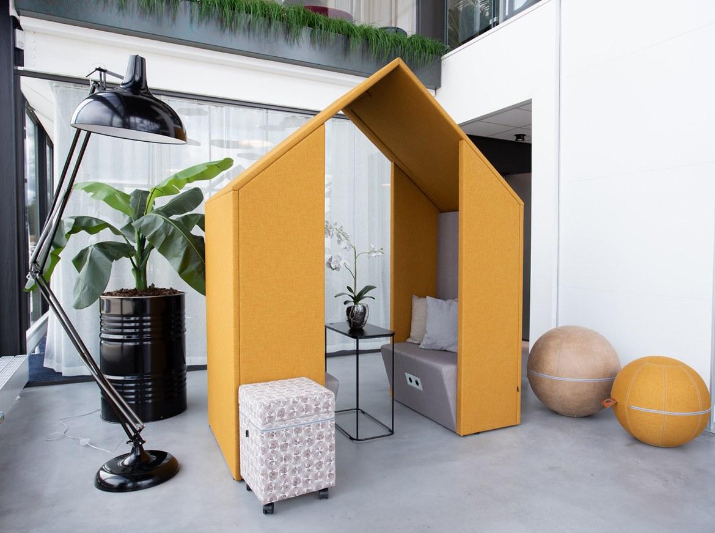 Götessons Open Half A Hut  110210 2