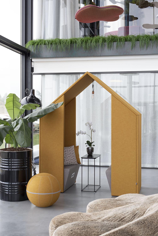 Götessons Open Half A Hut  110210 1