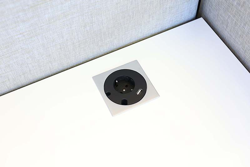Götessons Power Grommet vierkant 1 x stroom + 1 x USB Charger  702532 3