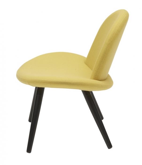 Softline orlando stoel houten poten lounge stoelen for Stoel houten poten