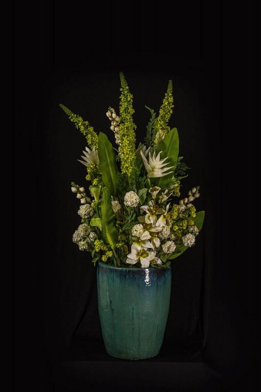 Zijden bloemstuk in grote pot