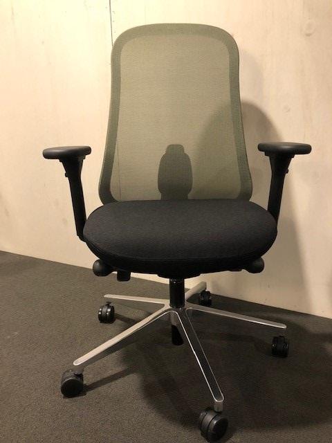 Herman Miller LINO bureaustoel met groene netbespanning