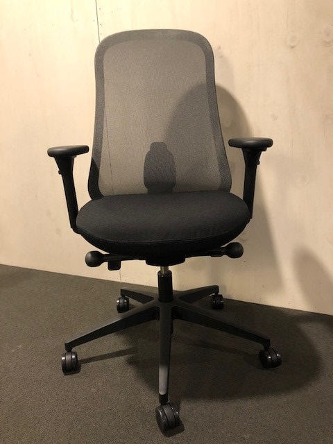 Herman Miller LINO bureaustoel met grafiet netbespanning