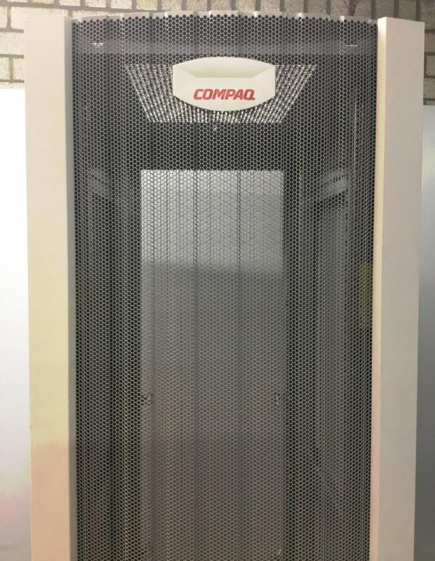 """Compaq 19"""" Serverkast 87 x 60 x 195 cm [13]"""