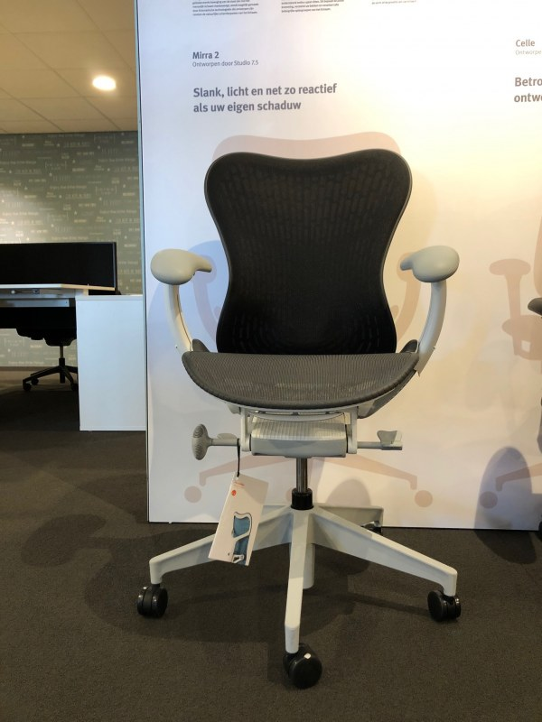 Herman Miller Mirra2 full option fog/studio white edition