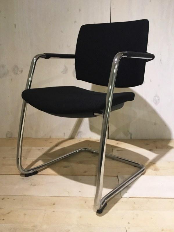 Sesta bezoekersstoel zwart slede [40]