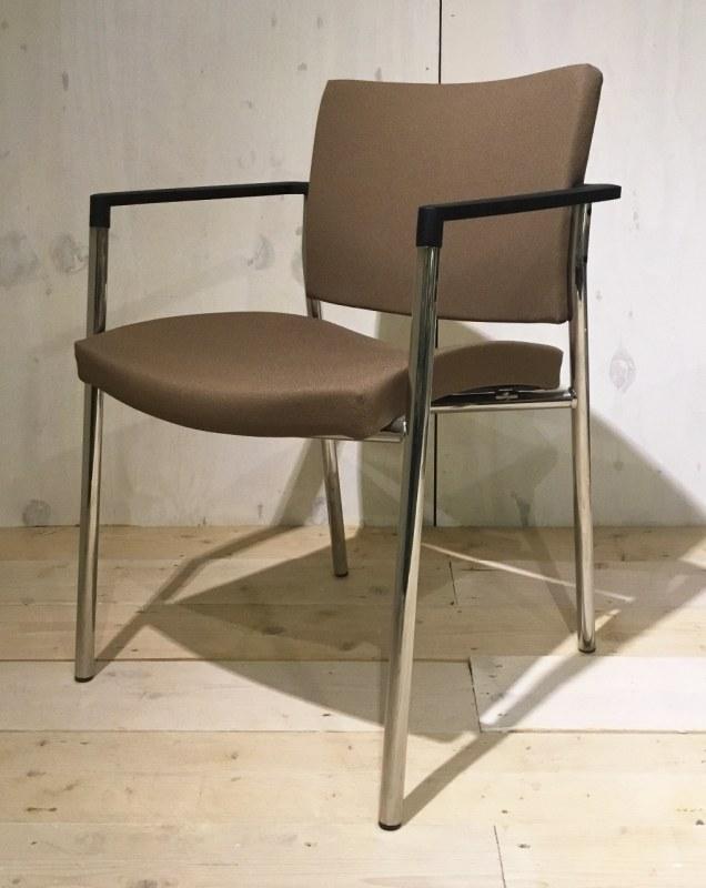 Beta bezoekersstoel bruin [44]