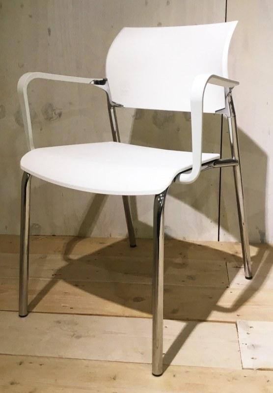 Dauphin bezoekersstoel met plateau [43]